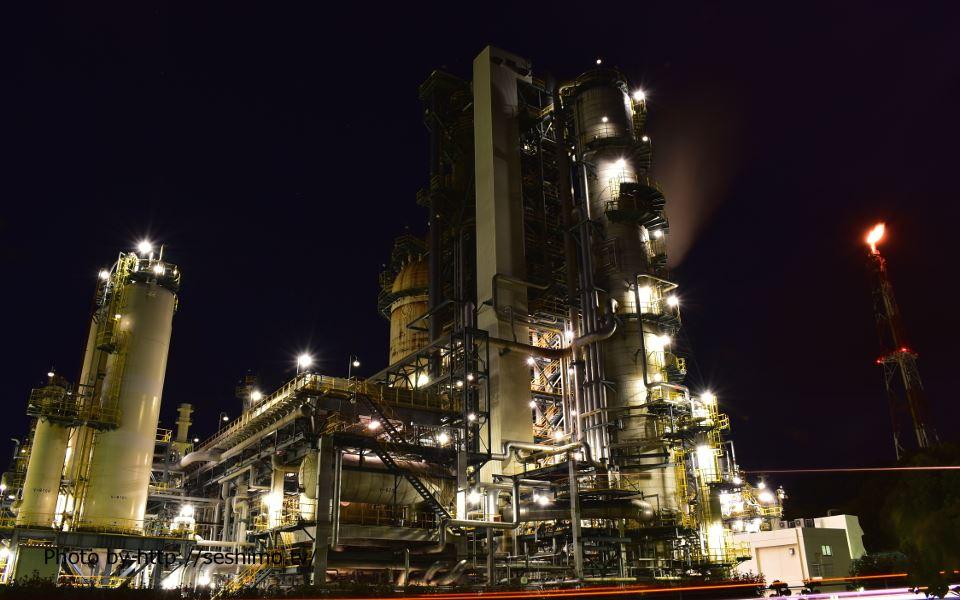 太陽石油前から太陽石油四国事業所を撮影
