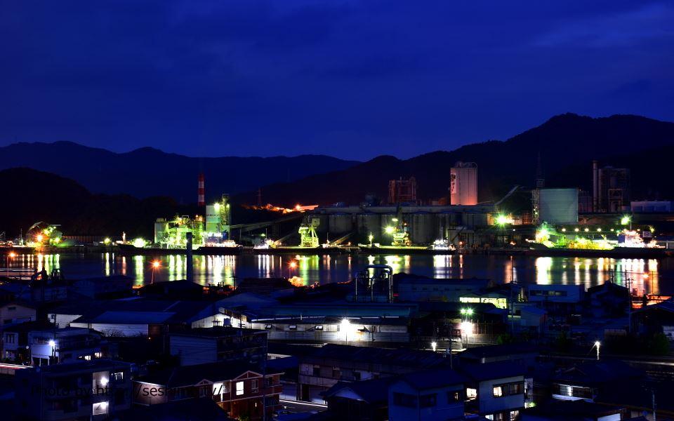 城山公園から住友大阪セメント高知工場を撮影