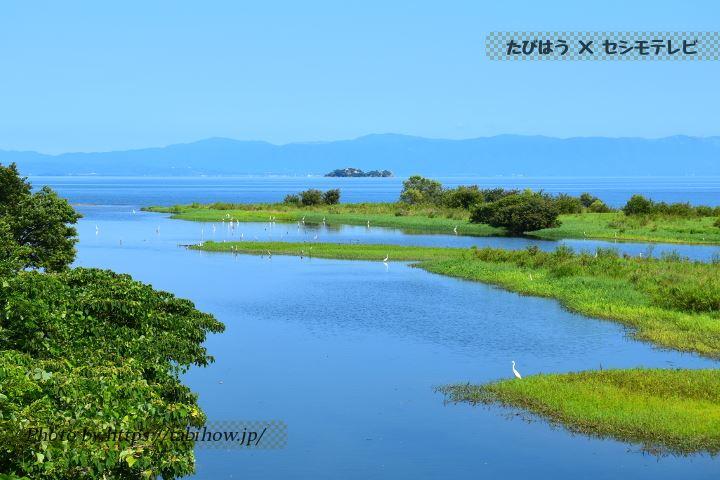 犬上川の橋から見る琵琶湖