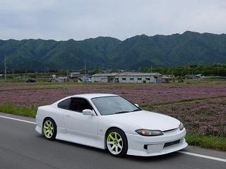 大阪伊丹空港でスポーツカーのレンタカー屋を利用してみた